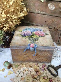 Одноклассники Shabby Vintage, Vintage Wood, Decoupage Box, Tea Box, Jewellery Boxes, Acrylic Box, Stencil, Collage, Painting On Wood