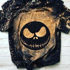 Halloween Shirt, Cute Halloween, Halloween Sayings, Halloween Gifts, Bleach Dye Shirts, Bleach Clothes, Diy Clothes, Nightmare Before Christmas Halloween, Cute Shirt Designs