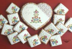 Wedding keepsake with Slovak cookie ornaments Libuša Bartošová Cookie Images, Romantic Wedding Receptions, Wood Post, Wedding Keepsakes, Tie The Knots, Cross Stitch Designs, Cookie Decorating, Christmas Cookies, Wedding Decorations