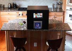 Monsieur Robot Bartender - Drinks served at home!!! Very cool!