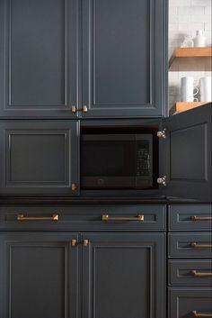 Our Dark & Moody Kitchen Reveal – Room for Tuesday – Home Trends 2020 Updated Kitchen, New Kitchen, Kitchen Decor, Kitchen Ideas, Closed Kitchen, Kitchen Furniture, Modern Kitchen Design, Interior Design Kitchen, Kitchen Designs