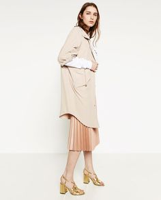 Image 4 of FLOWING JACKET from Zara