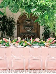 How to Perfectly Add, Just the Right Amount of Tropical Decor to Your Wedding Day – wedding centerpieces Tropical Wedding Reception, Beach Wedding Colors, Wedding Flowers, Wedding Day, Beach Weddings, Garden Wedding, Dream Wedding, Romantic Table Setting, Wedding Table Settings