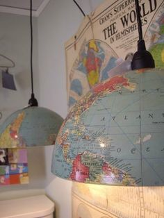Globe Pendant Light - such a cool use of an old globe. All it would take is cutting the globe in half (sometimes they just unscrew) and attaching it as a shade to a pendant light. Diy Luz, Luminaire Original, Old Globe, Thrift Shop Finds, Thrift Stores, Deco Luminaire, Ideias Diy, Globe Lights, Light Globes