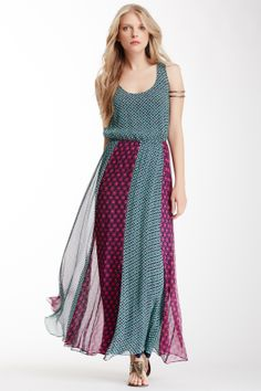 Maxi dress with alternating colors skirt