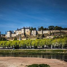 Oh you know, just a gorgeous castle in the Loire. Château de Chinon.❤️