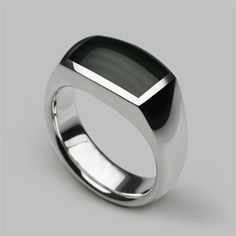 Contemporary and unique designer mens silver rings handmade by Stephen Einhorn London. Shop solid sterling silver chunky, slim, classic and more urban ring designs for men. Mens Silver Rings, Silver Rings Handmade, Silver Man, Unique Rings, Beautiful Rings, Gold Hands, Designer Engagement Rings, Schmuck Design, Signet Ring