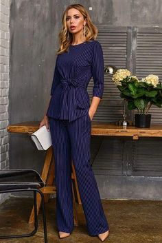 the office apparel Office Fashion, Work Fashion, Classy Outfits, Stylish Outfits, Suit Fashion, Fashion Dresses, Casual Office Wear, Outfit Office, Office Uniform
