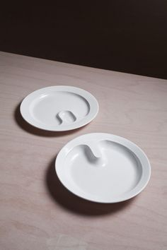 Prokop Chludil- ceramic dinner service for the elderly. One of the plates in the implementation of the porcelain factory Suisse Langenthal