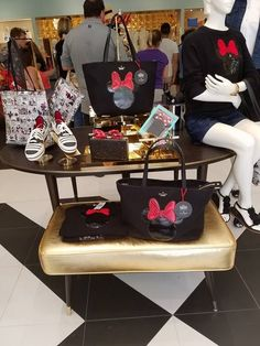 It was brought to my attention recently that the Kate Spade Minnie Mouse Collection is dwindling in availability. In fact the tote bag and the glittery clutch are completely sold out online and in many stores! I guess I was selfish in not paying attention because I got mine when they had a sale on …