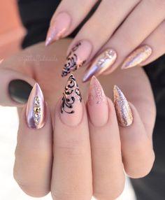new ideas nails sencillas gold Cute Acrylic Nails, Matte Nails, Gel Nails, Coffin Nails, Diva Nails, Solid Color Nails, Nail Colors, Classy Nails, Simple Nails