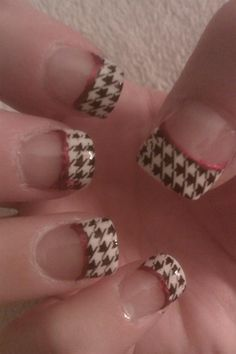 roll tide saints-red-sox-of-course-the-crimson-tide Fancy Nails, Bling Nails, Cute Nails, Pretty Nails, Toe Designs, Nail Art Designs, Alabama Nail Art, Football Nail Art, Solar Nails