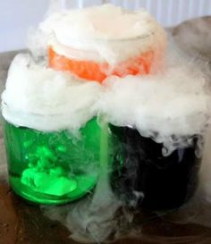 Add this to your Halloween decor or lesson plans for at home science class. Edible Magic Potion is one of the coolest crafts for kids because it's edible science! halloween party food and drink, halloween parties Theme Halloween, Holidays Halloween, Halloween Treats, Halloween Decorations, Halloween Science, Halloween Parties, Halloween Potions, Halloween Prop, Halloween Witches