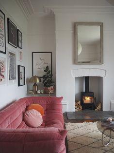 Living Tv, Home Living Room, Apartment Living, Living Room Designs, Living Room Decor, Living Spaces, Interior Exterior, Interior Architecture, Interior Design