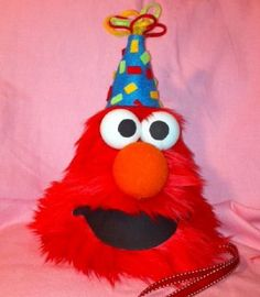 Elmo Birthday Hat...Perfect for my precious baby's first b-day! Am so doing this for him!!!