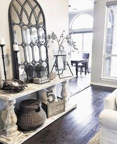 Top Rustic Farmhouse Entryway Design Ideas - Best Home Decorating Ideas Rustic Entryway, Entryway Decor, Entryway Furniture, Entrance Table Decor, Farmhouse Entryway Table, Furniture Ideas, Entry Table Decorations, Entry Way Decor Ideas, Enterance Decor