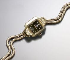 Ladies 18K White Gold Diamond Black Dial Rolex Watch Retro CA1940s #Rolex #LuxuryDressStyles
