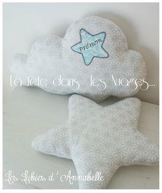 Coussin nuage et étoile tissu brillant argenté Personnalisable : Linge de lit enfants par leslubiesdannabelle