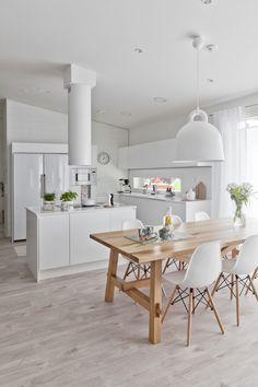 Bolig til salgs Home Interior, Home Living Room, Kitchen Interior, Interior Design Living Room, Kitchen Decor, Open Kitchen And Living Room, New Kitchen Designs, Ideas Hogar, Beautiful Kitchens