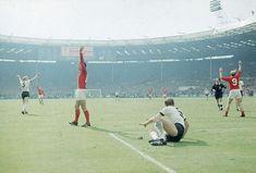 London Football, Uk Football, England Football, Football Players, 1966 World Cup, Fifa World Cup, St Ives Town, Geoff Hurst, West Ham United Fc