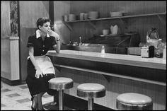 Girl taking a smoke break New York 1955 http://ift.tt/2yhPYUE