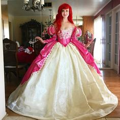 Based in California, Nephi Garcia is a fashion designer who creates amazing, one of a kind costumes for his children and wife to Disney cosplay with. Disney Cosplay, Disney Costumes, Cosplay Costumes, Teen Costumes, Woman Costumes, Mermaid Costumes, Pirate Costumes, Group Costumes, Halloween Costumes