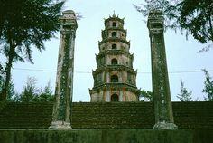 Chua Thien Mu, Hue, Vietnam 1964    Photo by Robert Gauthier