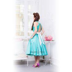 Vintage heart emoticon Chic heart emoticon E super elegante! Este vestido é isso tudo e muito mais, sabes porquê?