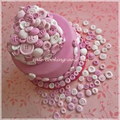 Buttons Cake By Vale_Ntina on CakeCentral.com