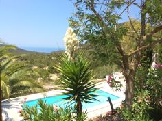 Finca Minanga · San Jose - https://www.zanibiza.com/listing/finca-minanga-san-jose/ - Cosy renovated finca with large guest house and sunset sea views in San Jose. This great property has seven bedrooms and four bathrooms. The property consists of the main house and original finca, an independent top floor and a newly built guesthouse. The ground floor in the finca consists of a...- Property for sale in Ibiza - ZAN ibiza real estate