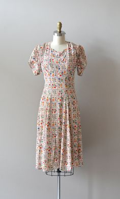 vintage 1930s cotton Scandinavian folk print dress