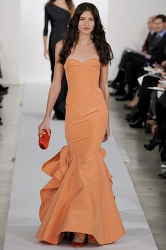 I would def wear this on Red Carpet :: Oscar De La Renta