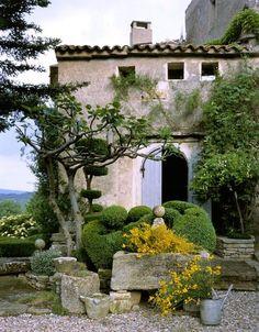 Mediterranean xeriscape landscaping