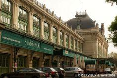 Gare des Brotteaux: Gare de raccordement entre les lignes Paris-Marseille et Lyon-Genève, elle est désaffectée après l'ouverture de la nouvelle gare TGV de La Part-Dieu. Réhabilitée en 1988 par l'architecte Yves Heskia, elle abrite un hôtel des ventes, des bureaux, restaurants, bars et une discothèque.