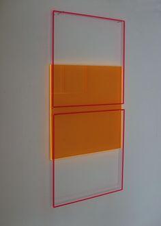 """Gisela Hoffmann """"linear 06 orange rot"""", 2010, fluoreszierendes plexiglas, multiple"""