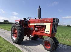 International Tractors, International Harvester, Tractor Pictures, Case Ih, Rubber Tires, Red, Tractors