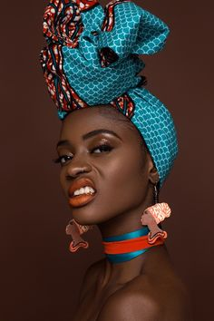 The headwrap originated in sub-Saharan Africa and serves similar functions for both African and African American women. In style, the African American woman's headwrap exhibits the features of sub-Saharan aesthetics and worldview African Beauty, African Fashion, African Style, African Makeup, Ankara Fashion, Black Women Art, Beautiful Black Women, Black Art, Afrika Tattoos
