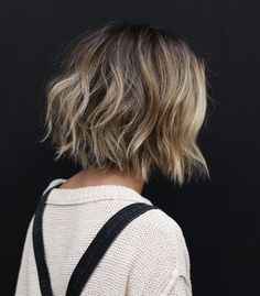10 Easy Wavy Bob Hairstyles with Balayage – 2019 Female Short Haircuts - HairStyles Cute Bob Haircuts, Wavy Bob Hairstyles, Bob Hairstyles How To Style, Braided Hairstyles, Short Wavy Haircuts, Wedding Hairstyles, Choppy Bob Haircuts, Homecoming Hairstyles, Casual Hairstyles