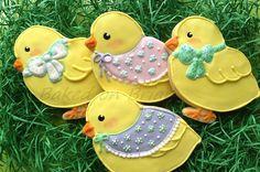Dressed up Easter Chicks www.facebook.com/bakedonbriar?directed_target_id=0