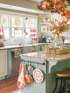 25 Awesome Fall Kitchen Design For Home Decor Ideas. If you are looking for Fall Kitchen Design For Home Decor Ideas, You come to the right place. Below are the Fall Kitchen Design For Home Decor Ide. Decor, Farmhouse Kitchen Decor, Kitchen Furniture, Chic Kitchen, Chic Kitchen Decor, Kitchen Remodel, Cottage Decor, Fall Kitchen, Shabby Chic Kitchen