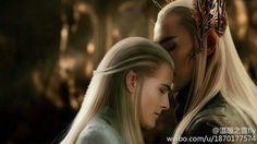 Literally the only picture I have seen so far where Legolas wears his hair down in front of his ears like seemingly all the other elves. Why isn't this more of a thing?