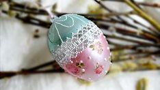 Пасхальные идеи  Как декорировать прозрачное пластиковое яйцо Types Of Eggs, Egg Shell Art, Decoupage Tutorial, Decoupage Vintage, Faberge Eggs, Egg Art, Egg Decorating, Vintage Easter, Easter Crafts