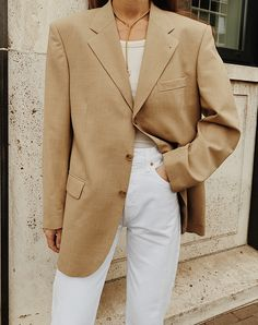 The Level Store Vintage Blazer , & Other Stories Tank Top , Redone High Rise Stove Pipe Jeans , Mimi Et Toi Gold Necklace Summer Office Outfits, Blazers For Women, Women Blazer, Summer Blazer, Look Blazer, Blazer Fashion, Fashion 2020, Autumn Winter Fashion, Trendy Outfits