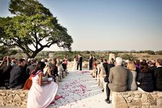 Weddings & Events :: Texas Hill Country bed and breakfast spa lodging wedding venue :: Paniolo Ranch Boerne TX
