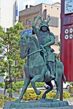 Statue of Sanada Yukimura in front of Ueda Station  #Samurai