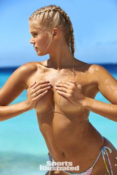611c6ae234361 The stunning Russian Vita Sidorkina is captured on the beautiful beaches of  Curaçao in this sexy photoshoot for Sports Illustrated s 2017 swimsuit  issue.