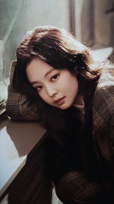 Your source of news on YG's biggest girl group, BLACKPINK! Kim Jennie, South Korean Girls, Korean Girl Groups, Poses Modelo, Rapper, Blackpink Icons, Black Pink Kpop, Blackpink Photos, Blackpink Fashion