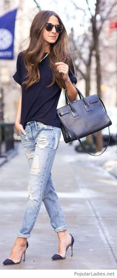 Simple casual street look with sunglasses