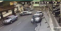 Mulher sobrevive após ser atingida e lançada para longe em acidente; vídeo