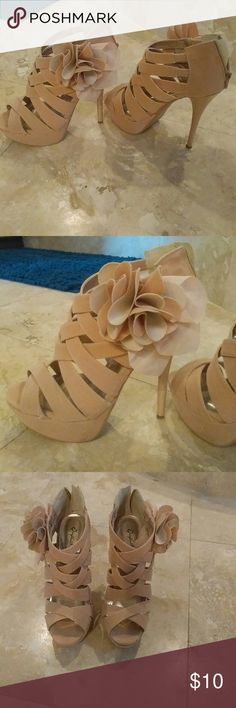 Pink blush shoes with flower detail MAKE OFFERS Platforms used once cupid cupid  Shoes Heels